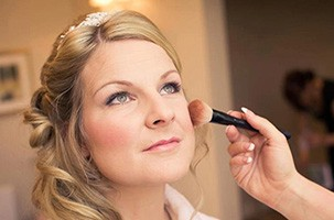 blog-how-to-choose-bridal-makeup-look. wedding makeup artist